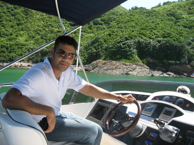 baggy-sartape-yacht-inspection